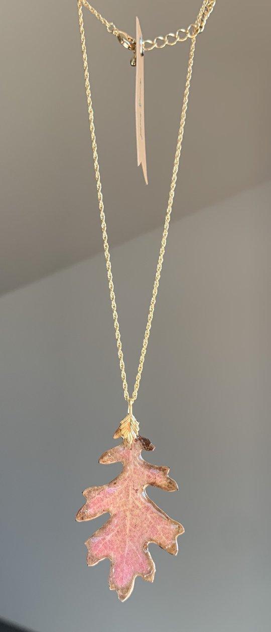 Oak Leafe Gold Neck